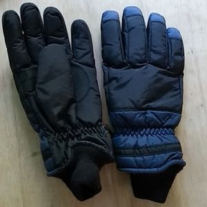 Synthetic lined snowgloves